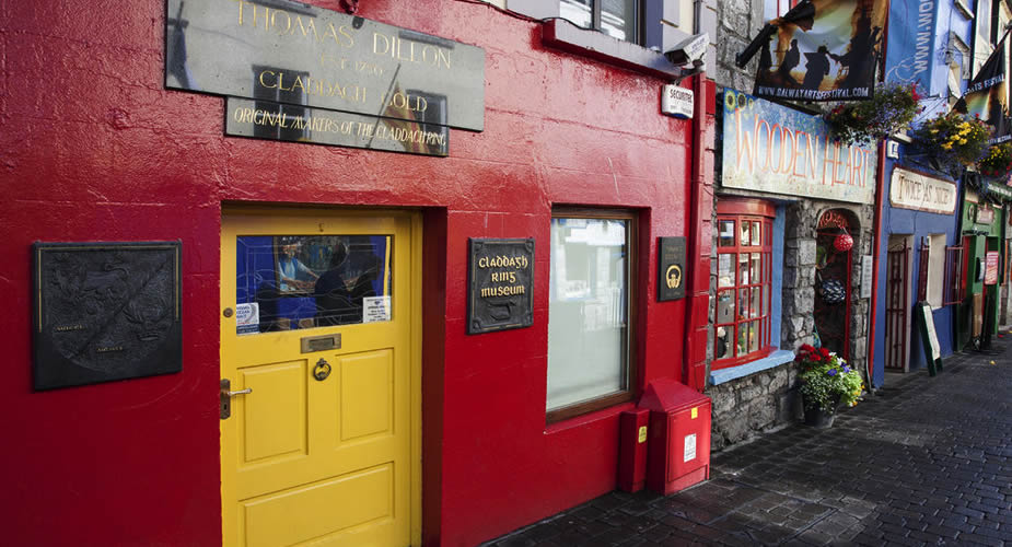 Galway vanuit Dublin, alles over de Claddagh ring in Galway | Mooistestedentrips.nl