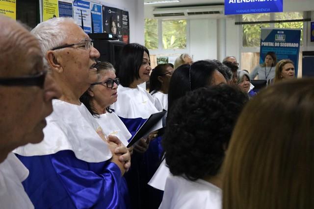 Dia de pagamento aos aposentados e pensionistas com manhã de serviços e coral