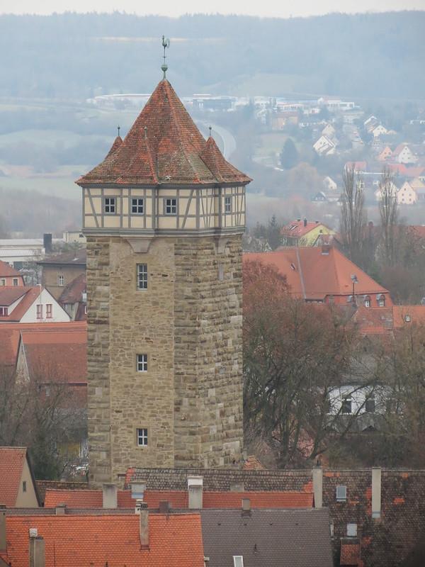 Aussicht von Rathausturm auf Röderturm<br /> IMG_8045