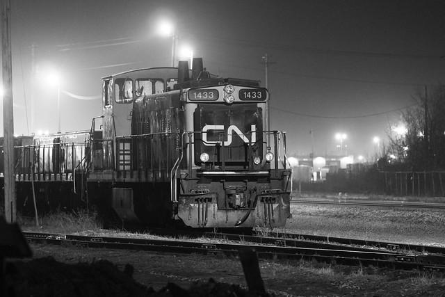 CN Rail Edmonton, Walker, Canon EOS REBEL T1I, Canon EF 70-200mm f/4L IS
