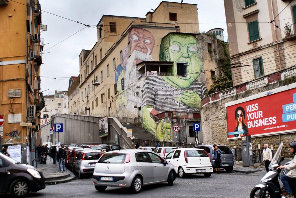 Street art et oeuvre de BLU au quartier de la Sanita à Naples.