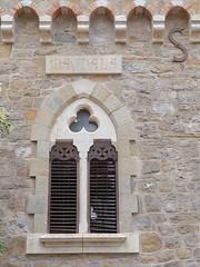 Ventana de la Torre Magdala, Rennes-le-Chateau, Francia