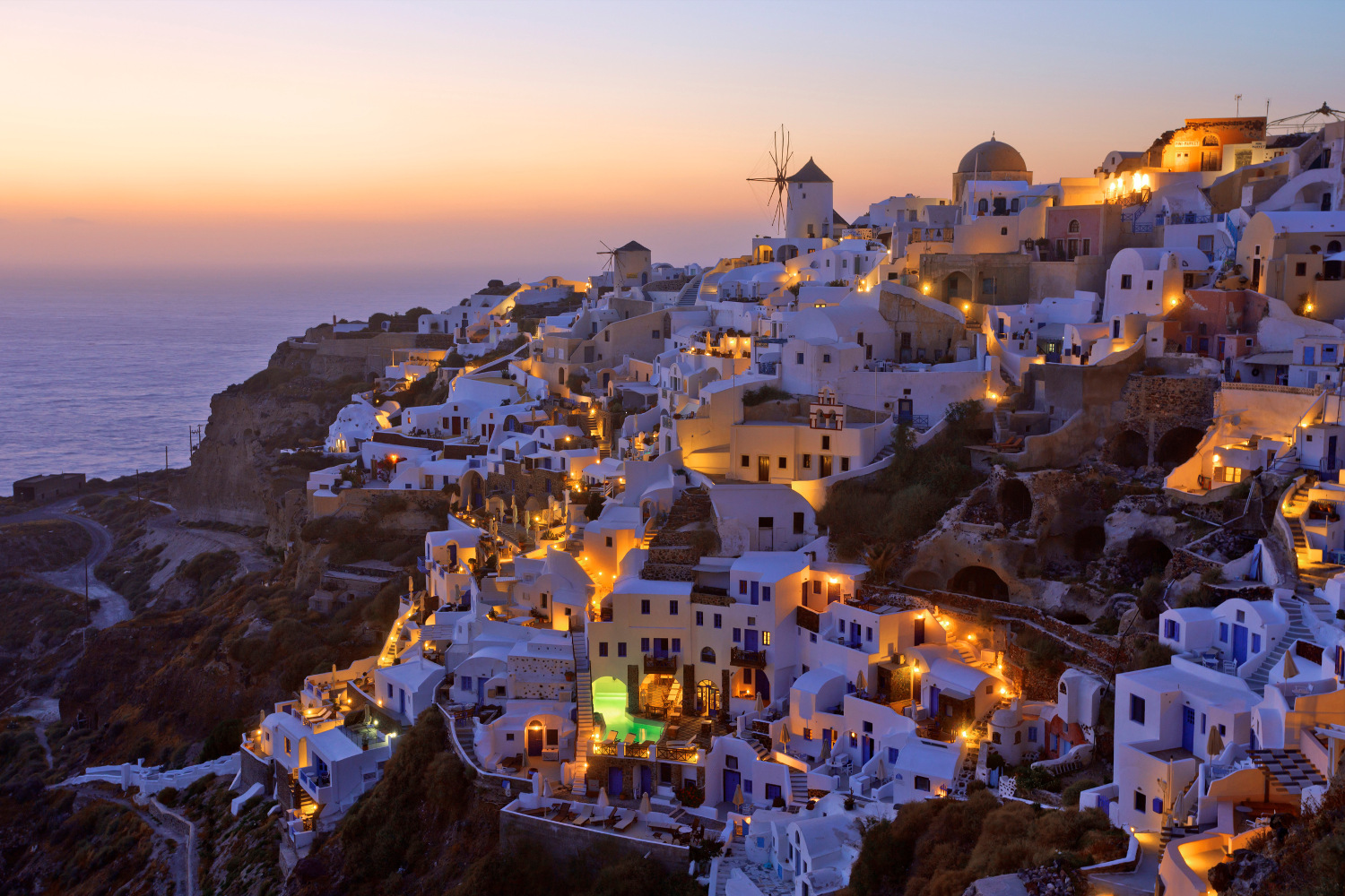 Santorini travel guide for first-time visitors - Best Places to Visit in Europe - planningforeurope.com (4)