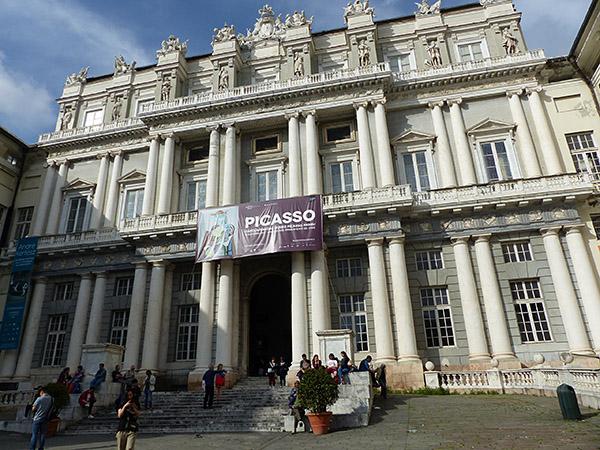 devant le palais ducal