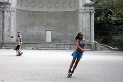 NYC - Central Park: Figureblading in front of Naumberg Bandshell