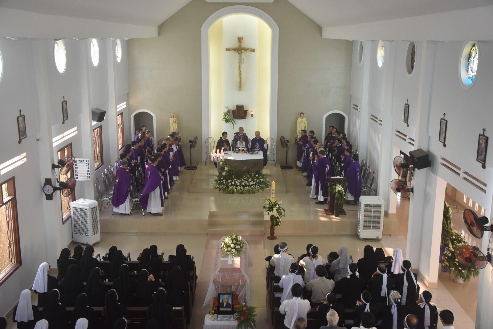 Thánh lễ an táng Nữ tu Maria Gioanna Hoàng Thị Thu Đức