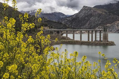 Embalse de Güejar Sierra en Primavera