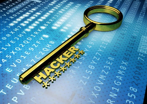 IT Security Schlüssel Key vor Crypto-Hintergrund - Silber Hacker