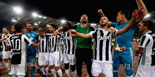 http://cafegoal.com/berita-bola-akurat/juventus-memenangkan-gelar-juara-ketujuh-berturut-turut/