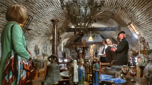 "Fotograma de ""Lisa and the Devil"", película de 1973 grabada en Toledo con Elke Sommer y Telly Savalas. Pasadizo de Balaguer."