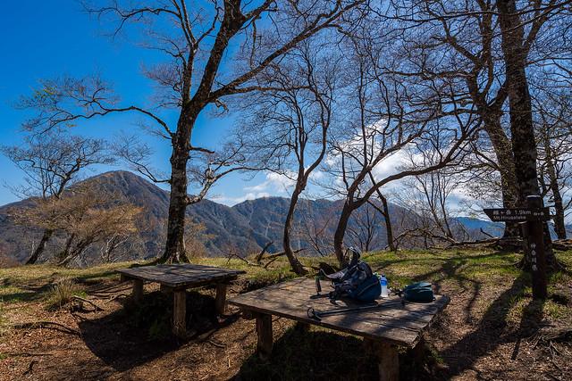 臼ヶ岳のベンチ