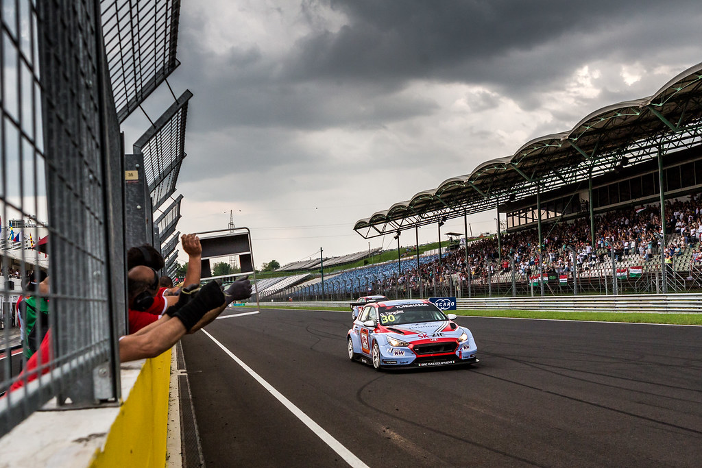 30 TARQUINI Gabriele (ITA), BRC Racing Team, Hyundai i30 N TCR, victory during the 2018 FIA WTCR World Touring Car cup, Race of Hungary at hungaroring, Budapest from april 27 to 29 - Photo Thomas Fenetre / DPPI