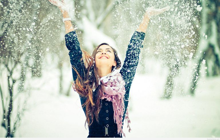 Happy-girl-winter-snow-wallpaper-768x488