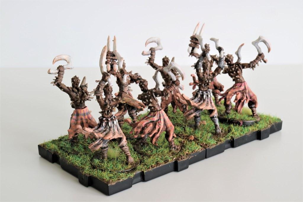 Runewars Miniatures Uthuk Y'llan Berserkers Back