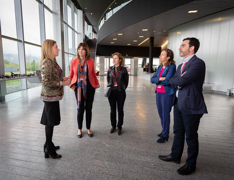 Una delegación del PSE-EE visita las instalaciones de AIC
