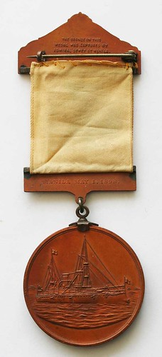Dewey at Manila relic medal with ribbon reverse