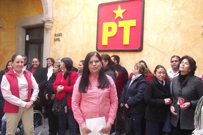 PÁG. 4 (4). María de Jesús Páez Güereca, rijosa dirigente del PT, salarios miserables para los maestros de los CADIS, pero jugosos sueldos para sus familiares.