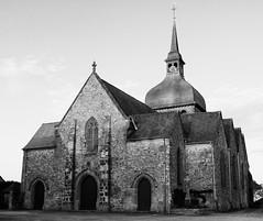 Eglise Notre-Dame de l'Assomption, Livré-sur-Changeon au soleil couchant, Bretagne - Photo of Mecé