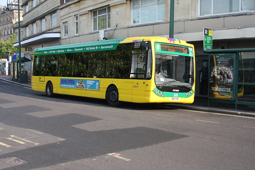 Yellow Buses 10 R10TYB