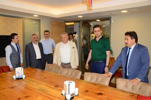 Faruk Güllüoğlu'na renkli açılış