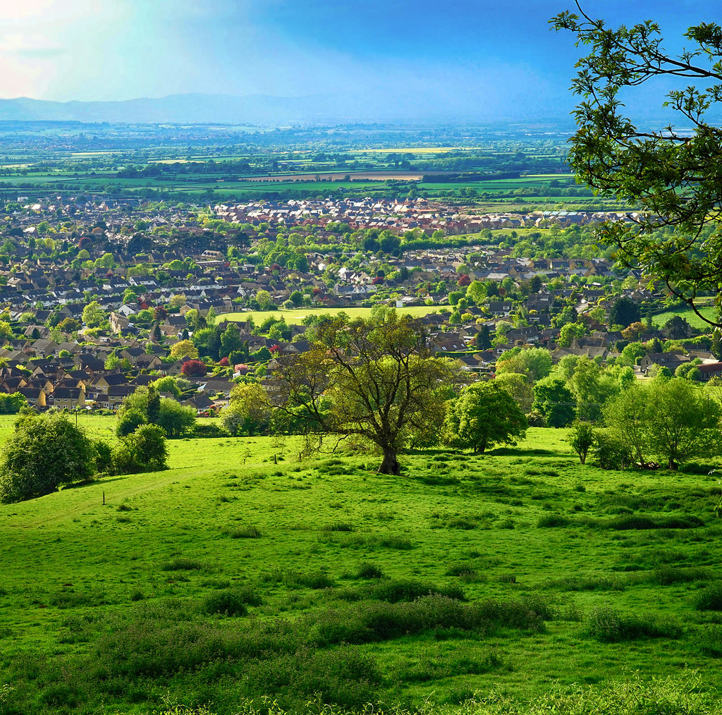Sunshine after fresh rain on Cleeve Hill in the Cotswolds. Credit Jason Ballard, flickr
