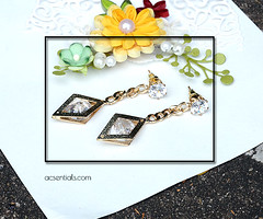Chain Gold Earrings With Faux Diamond