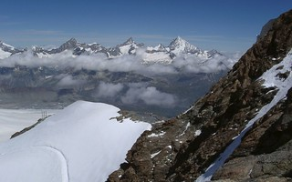 000705 Switzerland - Ascending the side of Klein Matterhorn