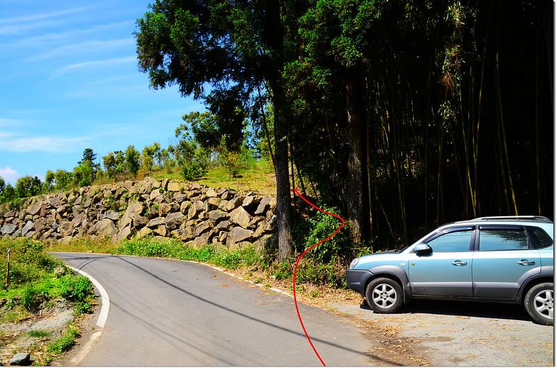 十字路護管所停車處登山口 1
