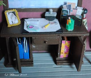 Kirjotuspöytä