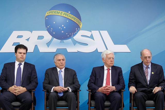 Temer, Parente e Moreira Franco durante o anúncio do plano de negócios da Petrobras - Créditos: Foto: Marcos Corrêa/PR