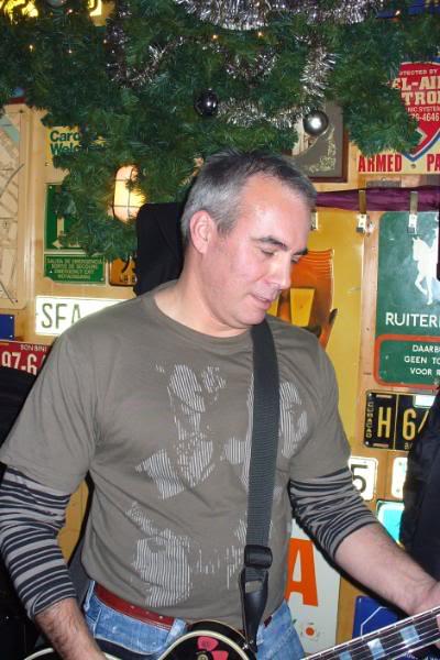 Sologitarist Bart.