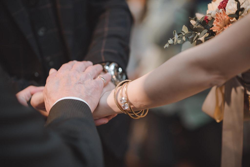 台中婚紗拍攝,台中婚攝,找婚攝,婚攝ED,婚攝推薦,意識影像,婚紗攝影,台中市婚禮拍攝,蔡艾迪,中部婚禮攝影,婚紗,edstudio,新莊典華,