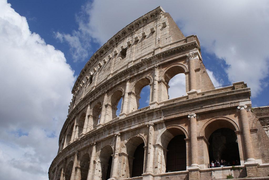 Colisée à Rome : La grandeur de l'Empire