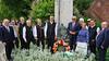 Gedenkfeier mit Kranzniederlegung am Donauufer