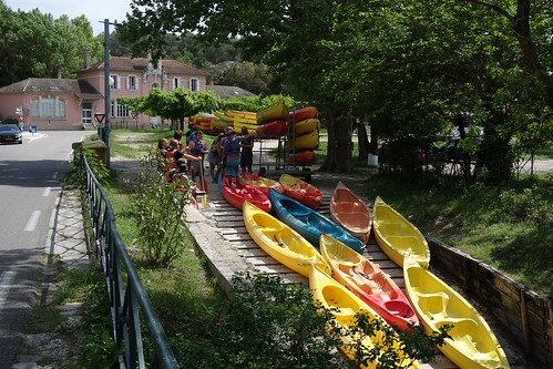 Canoes - River Sorgue - near  Fontaine-de-Vaucluse, France