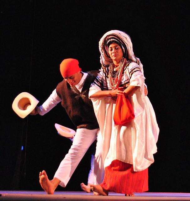 Ballet Moderno y Folklórico hace gala de las tradiciones guatemaltecas en Feria Internacional del Libro de Santo Domingo