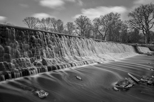 miltonlake waterfalls rahway newjersey nj bw blackandwhite mono le longexposure leebigstopper bigstopper 10stop