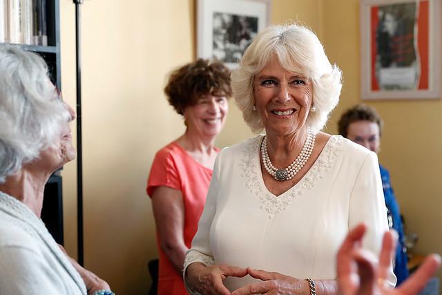 Camilla Parker Bowles en visite à Viffil-Sos femmes