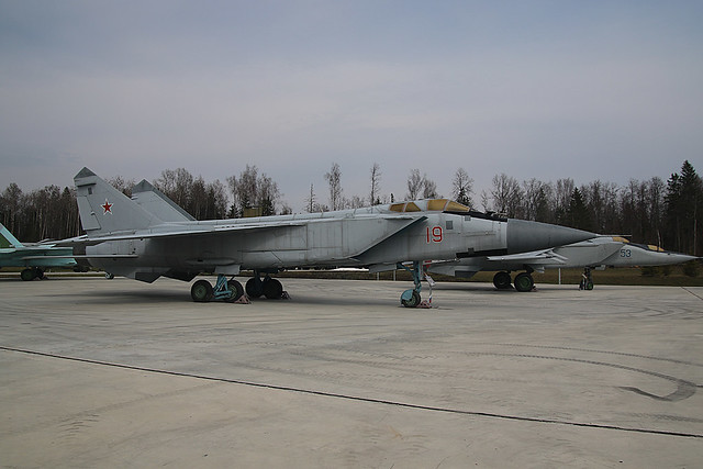 19-RED MIG31