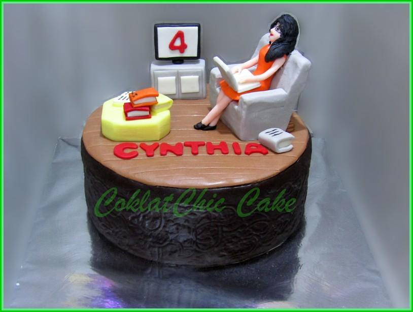 Cake Working Woman Cynthia 15 cm