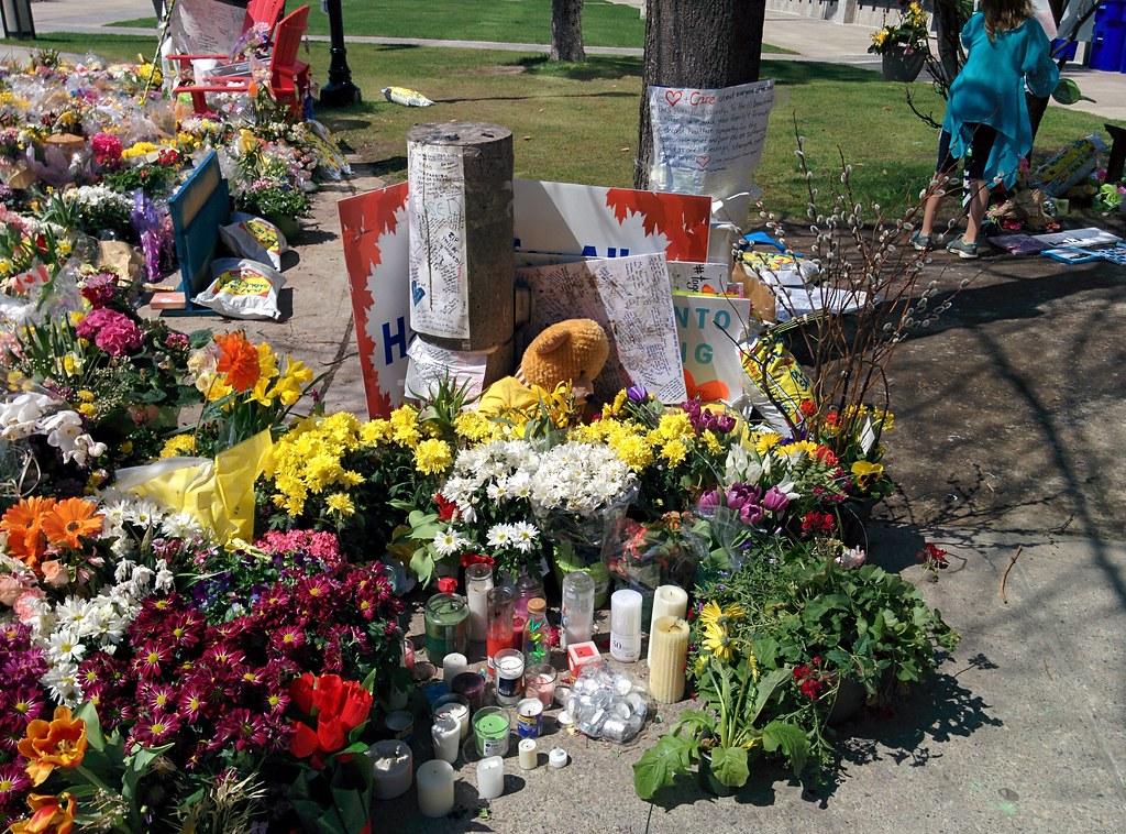 Memorial (4) #toronto #northyork #mellastmansquare #yongeandstrong  #inmemoriam