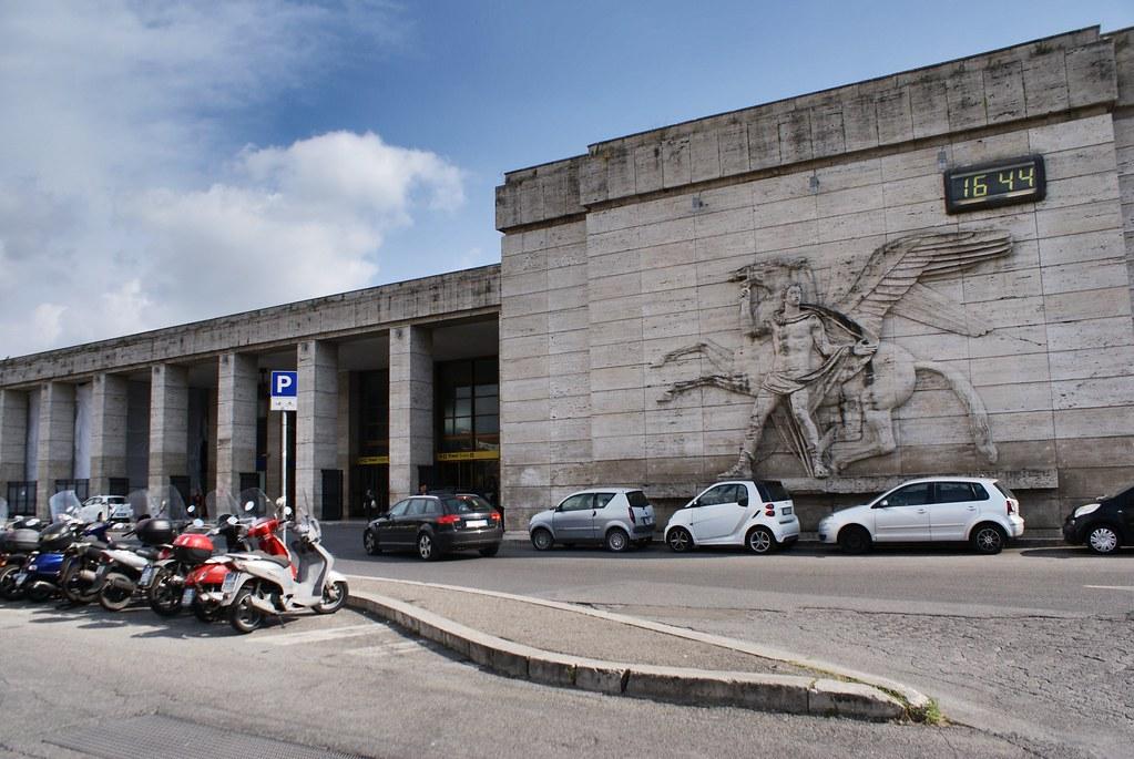 Gare d'Ostiense dans le sud de Rome.