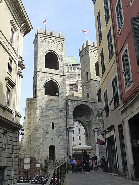 ancienne porte de Gênes