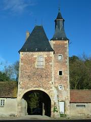 entrée château (CHAPEAU,FR03)